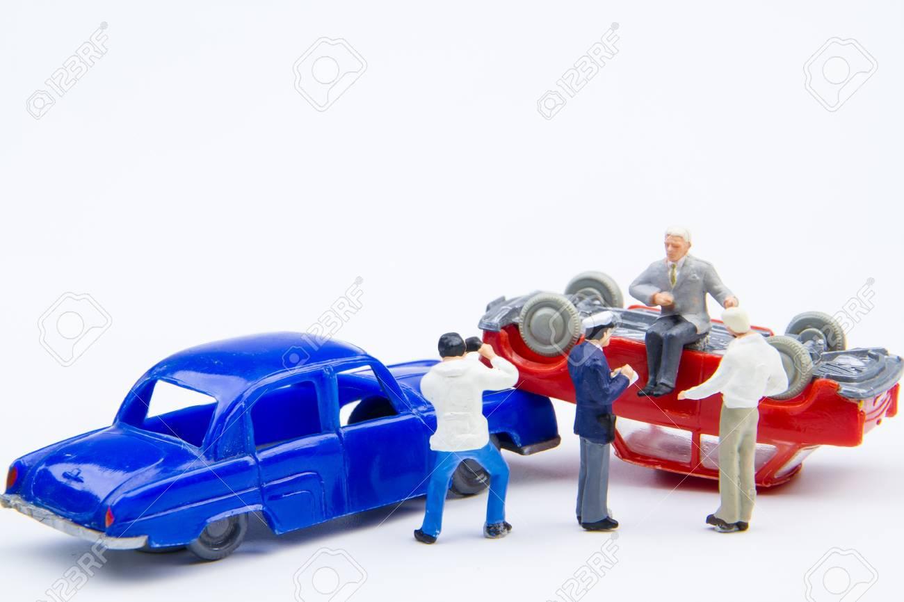 Sécurité accident Accident De driving Damaged Road Minuscules Miniature N'underestimate L'arrière Sur Plan Voiture insurance La Jouets vn0ONmw8