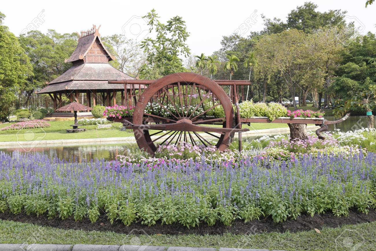Fall Comes To Garden Of Thai Pavilion >> A Thai Cart With The Thai Pavilion In The Garden For Landscape