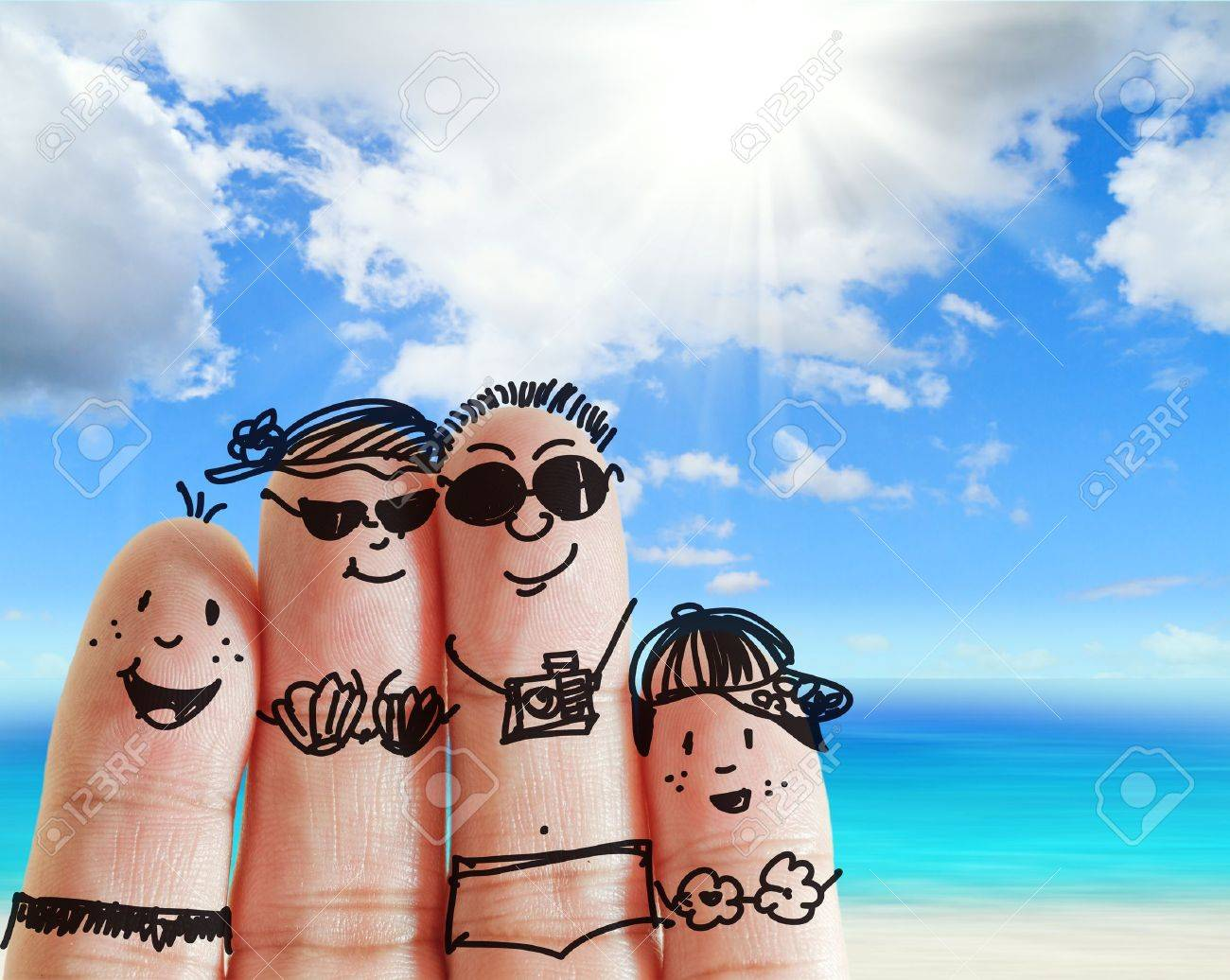 finger family travels at the beach as concept - 13422090