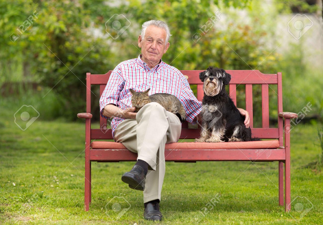Старик на молодой женщине лежит картинки 23 фотография