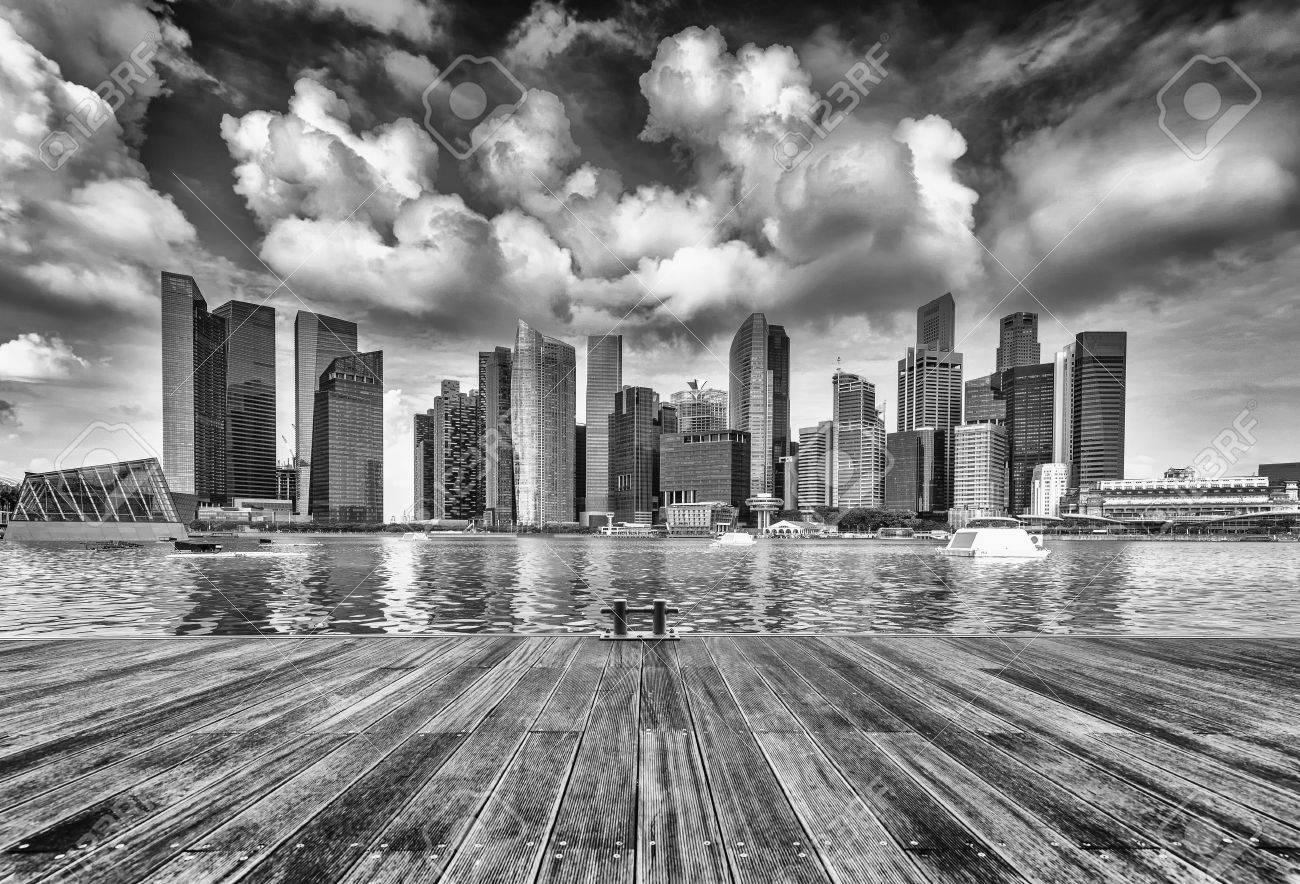 edificios modernos de singapur horizonte de paisaje en el distrito financiero foto de archivo