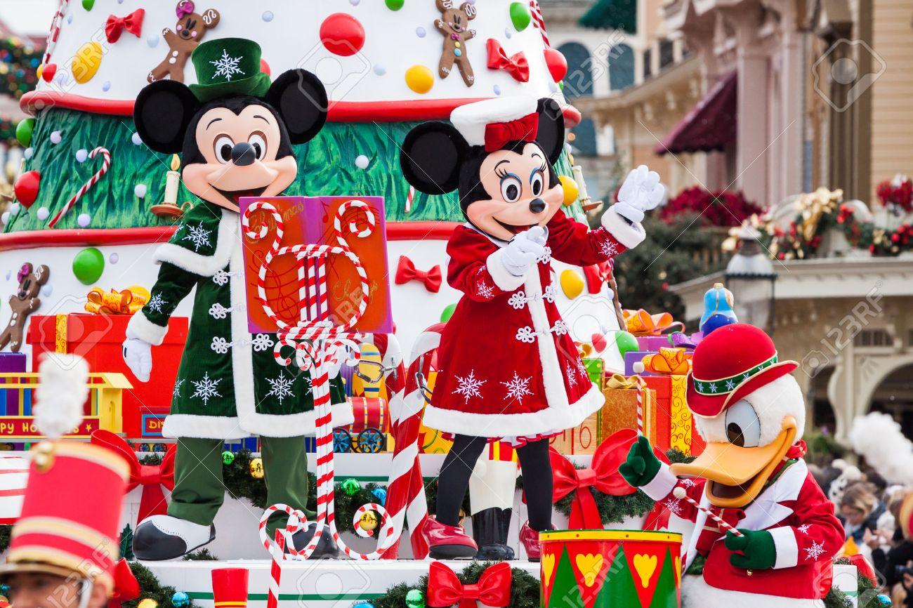 Disney Christmas Parade.Paris December 31 2013 Disney Christmas Parade In Disneyland
