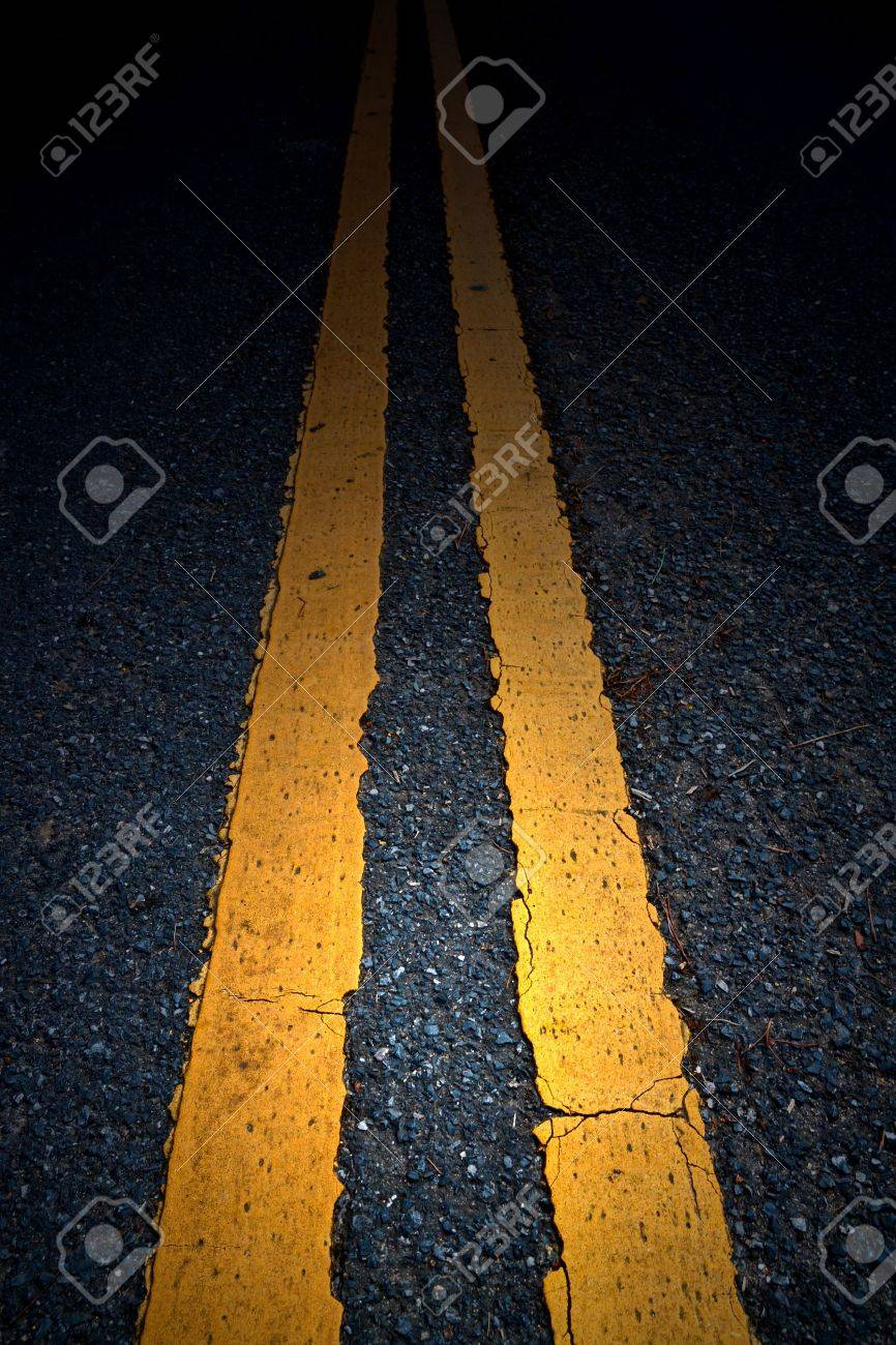 Road Marking - Double Yellow Lines Stock Photo - 9959635