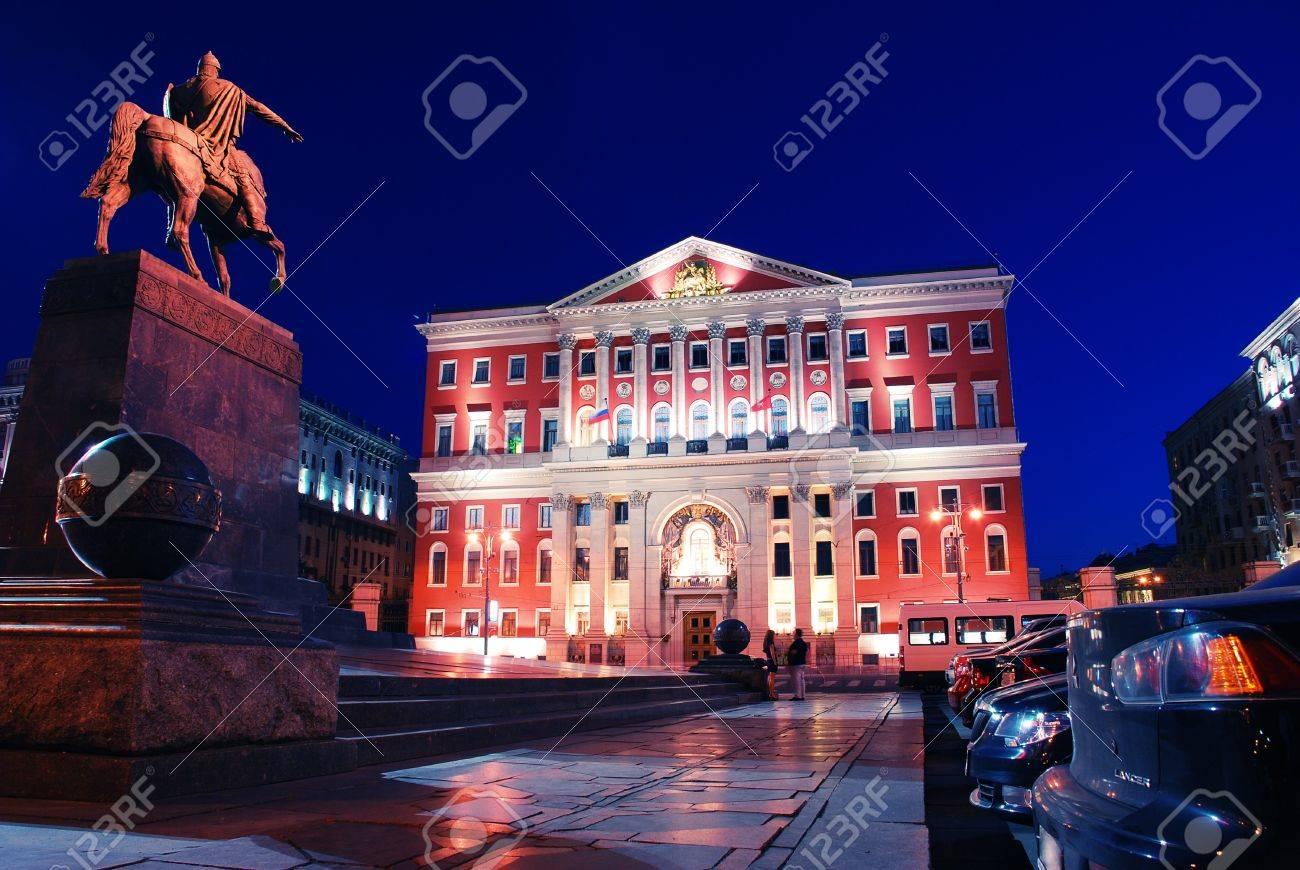 Moscow by night. City hall and monument to Yuri Dolgoruky – founder of the city - 12375088