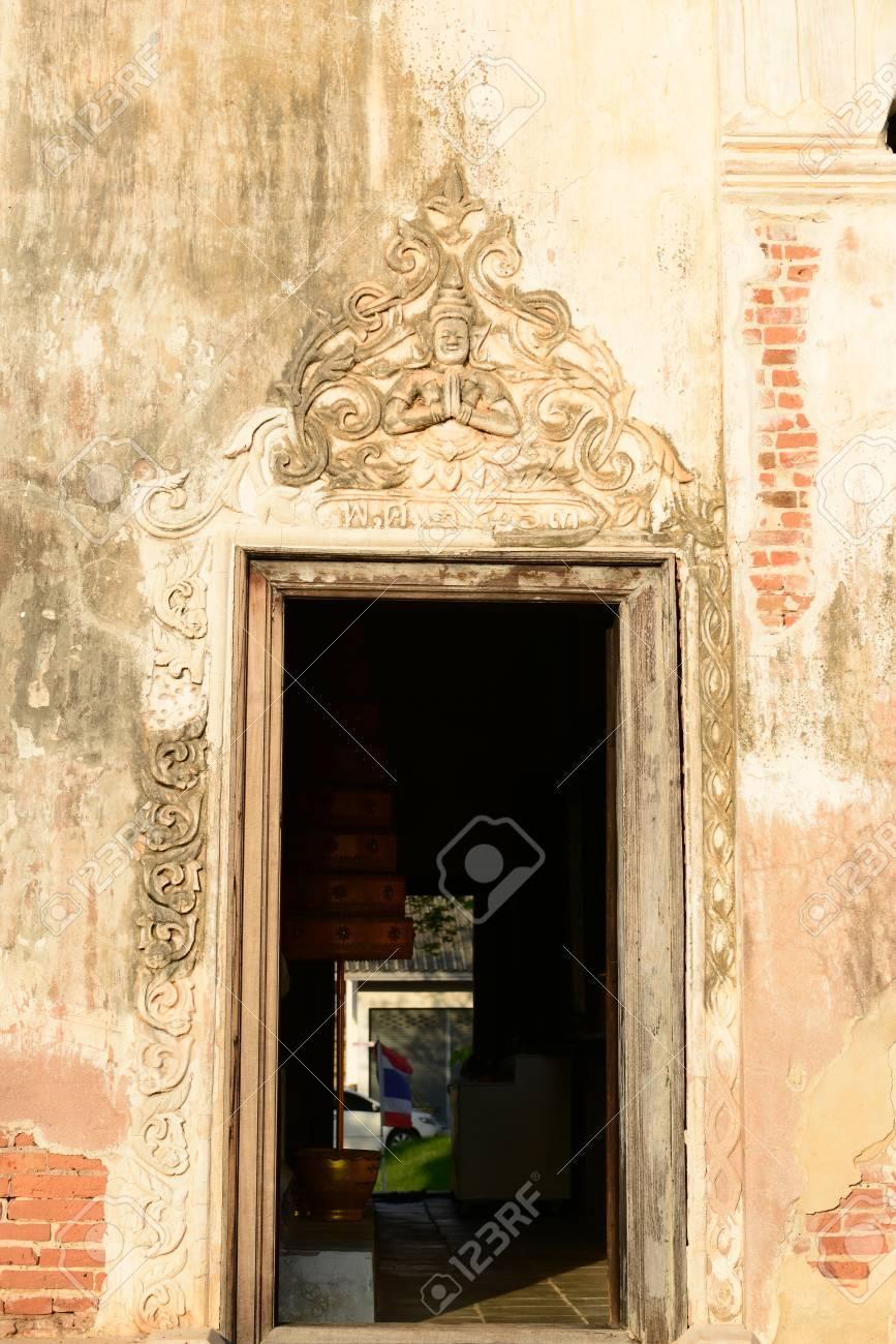 Old Beautiful Sculpture On Window Frame Of Old Church. Wat Mai ...