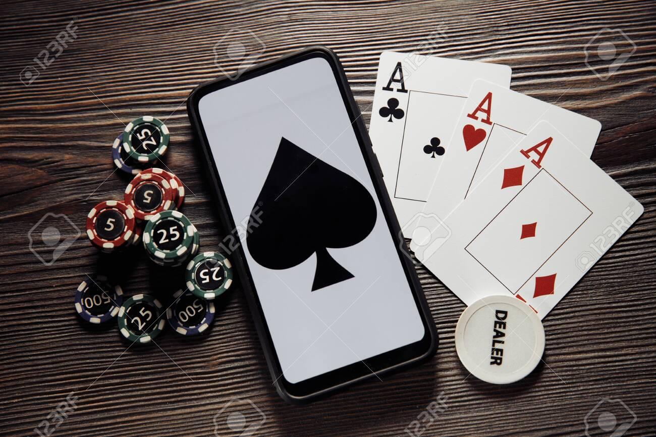 Музыка онлайн под покер реальные деньги в казино