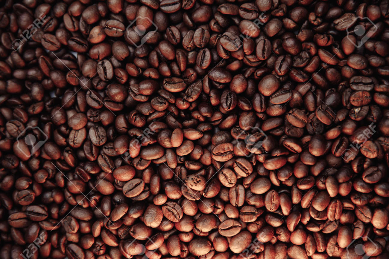 Fresh roasted coffee beans texture - 169820848