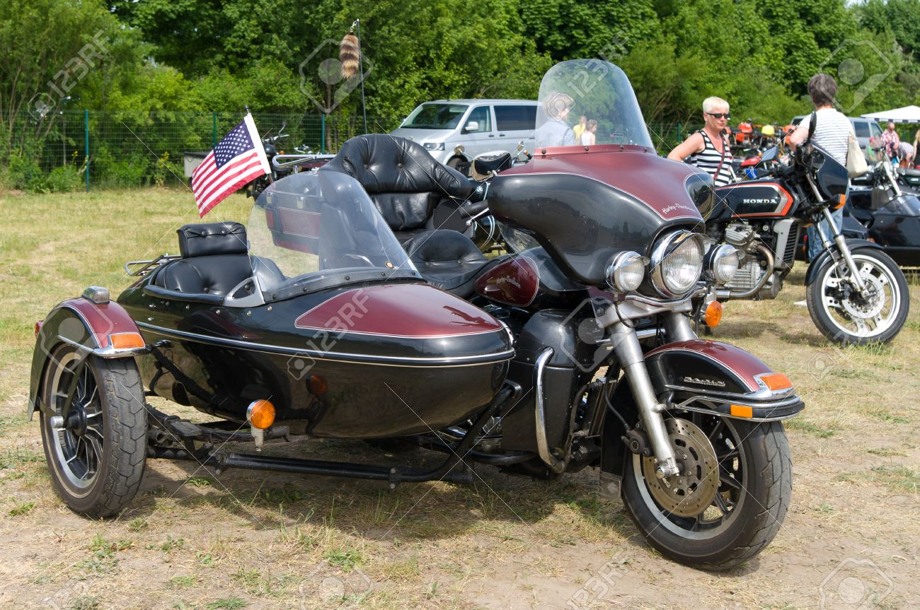 The motorcycle with sidecar Harley-Davidson Electra Glide Ultra