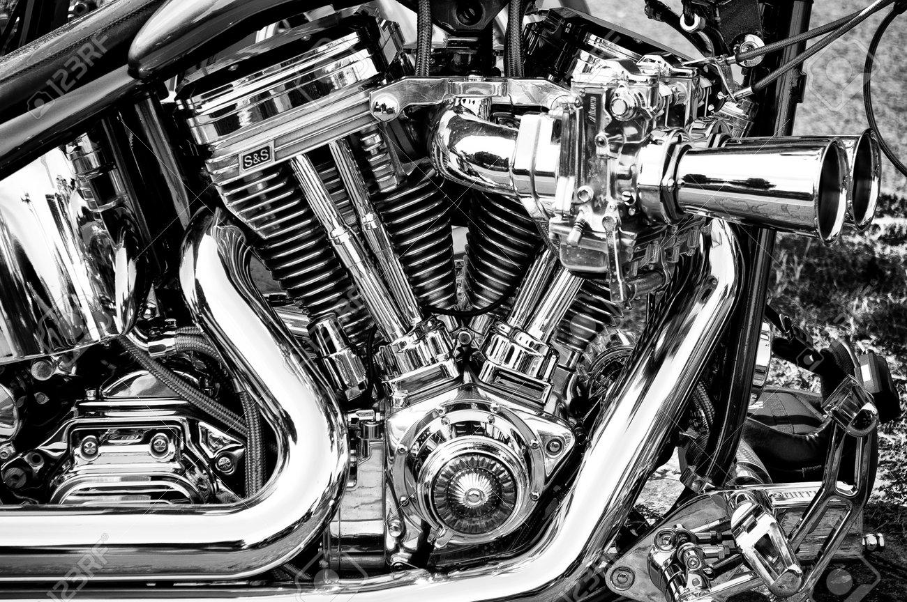 Twin Cam 96 Engine, Motorcycle Harley-Davidson FXDB Street Bob ...