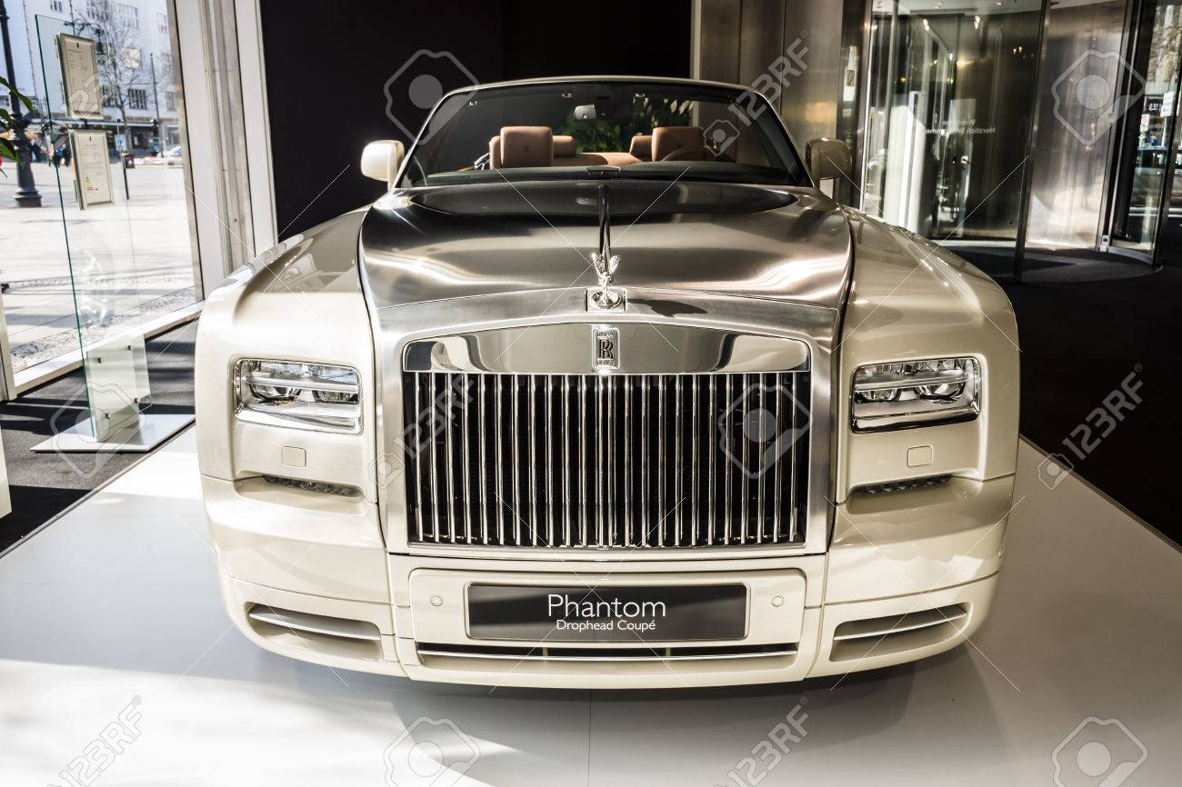 Berlin March 08 2015 Showroom Luxury Car Rolls Royce Phantom Stock Photo Picture And Royalty Free Image Image 37712978