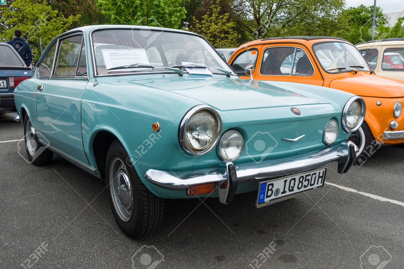 BERLIN - MAY 10, 2015: Vintage car Fiat 850 coupe, 1970. The 28th Berlin-Brandenburg Oldtimer Day - 40097219