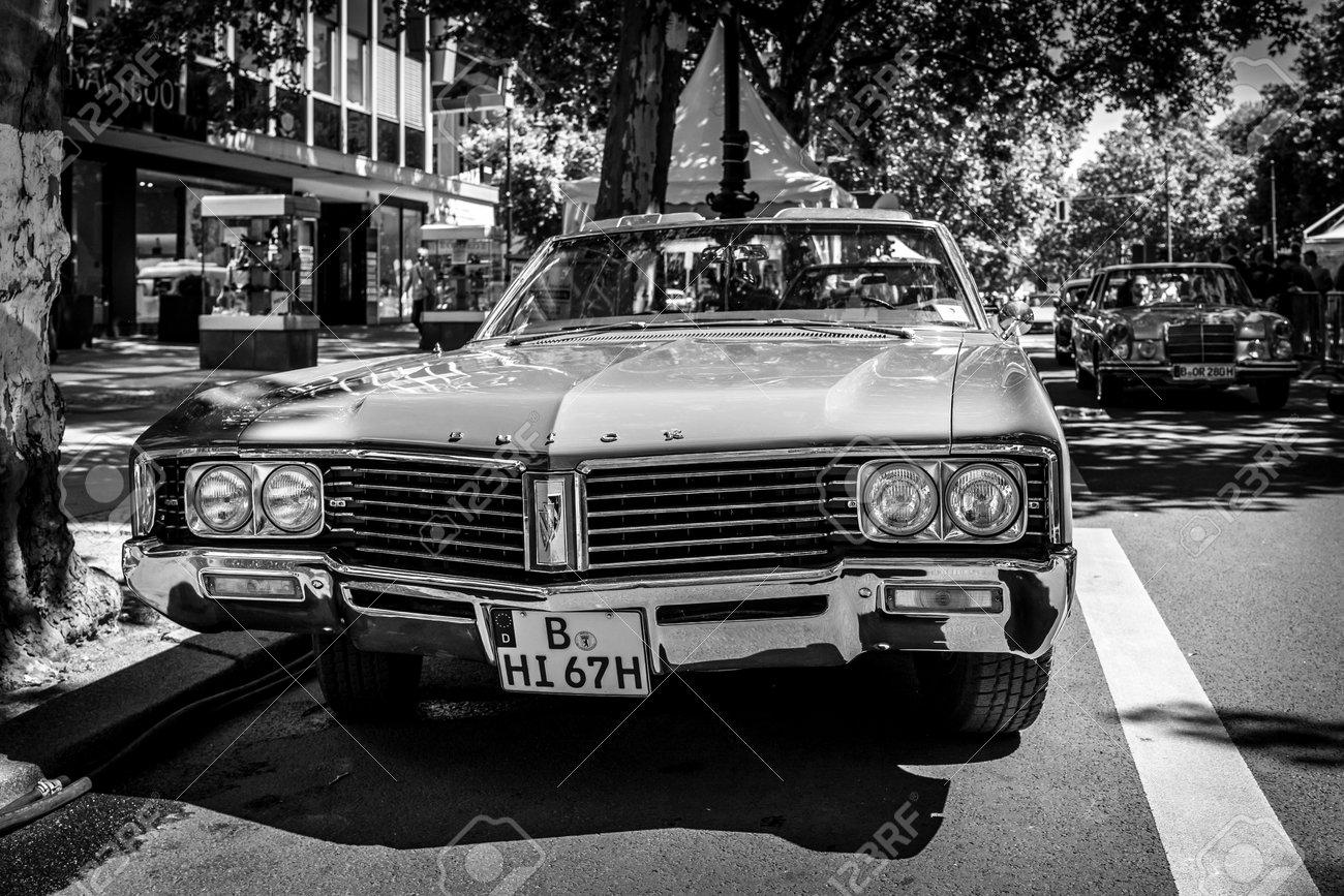 berlin - june 09, 2018: full-size car buick lesabre convertible