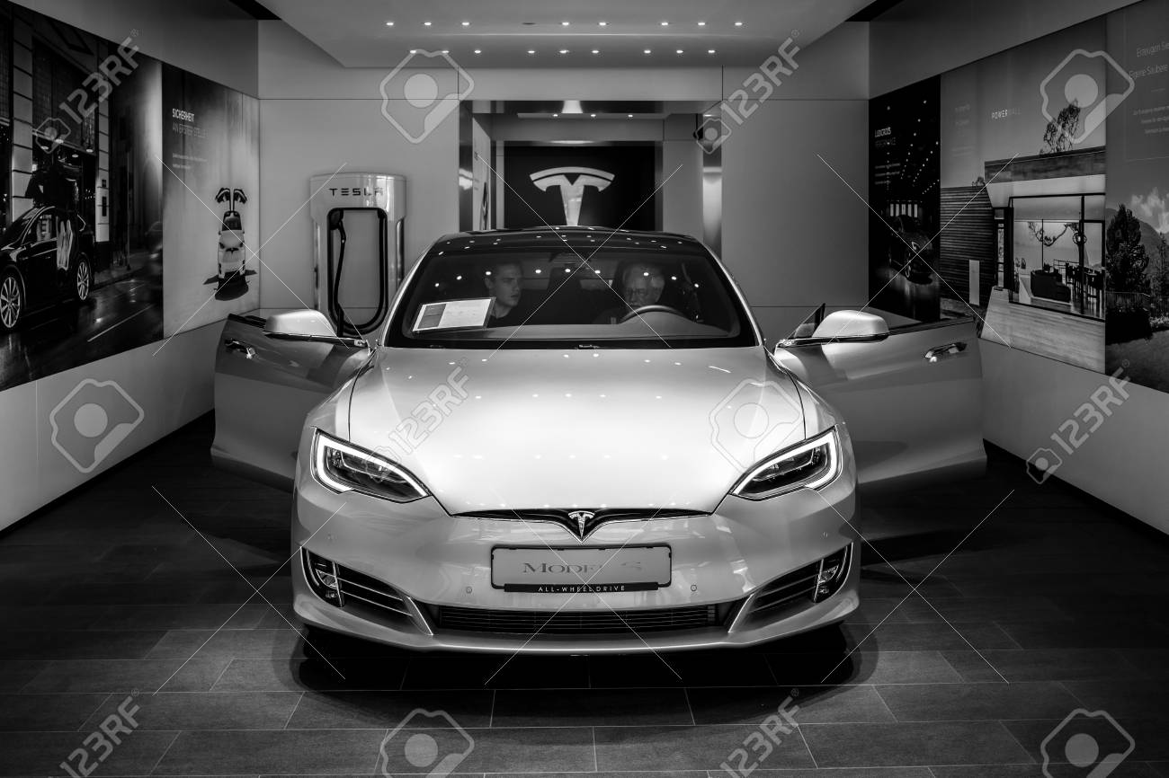 Berlin June 09 2018 Shoroom Mid Size Luxury Car All Electric Stock Photo Picture And Royalty Free Image Image 110049101
