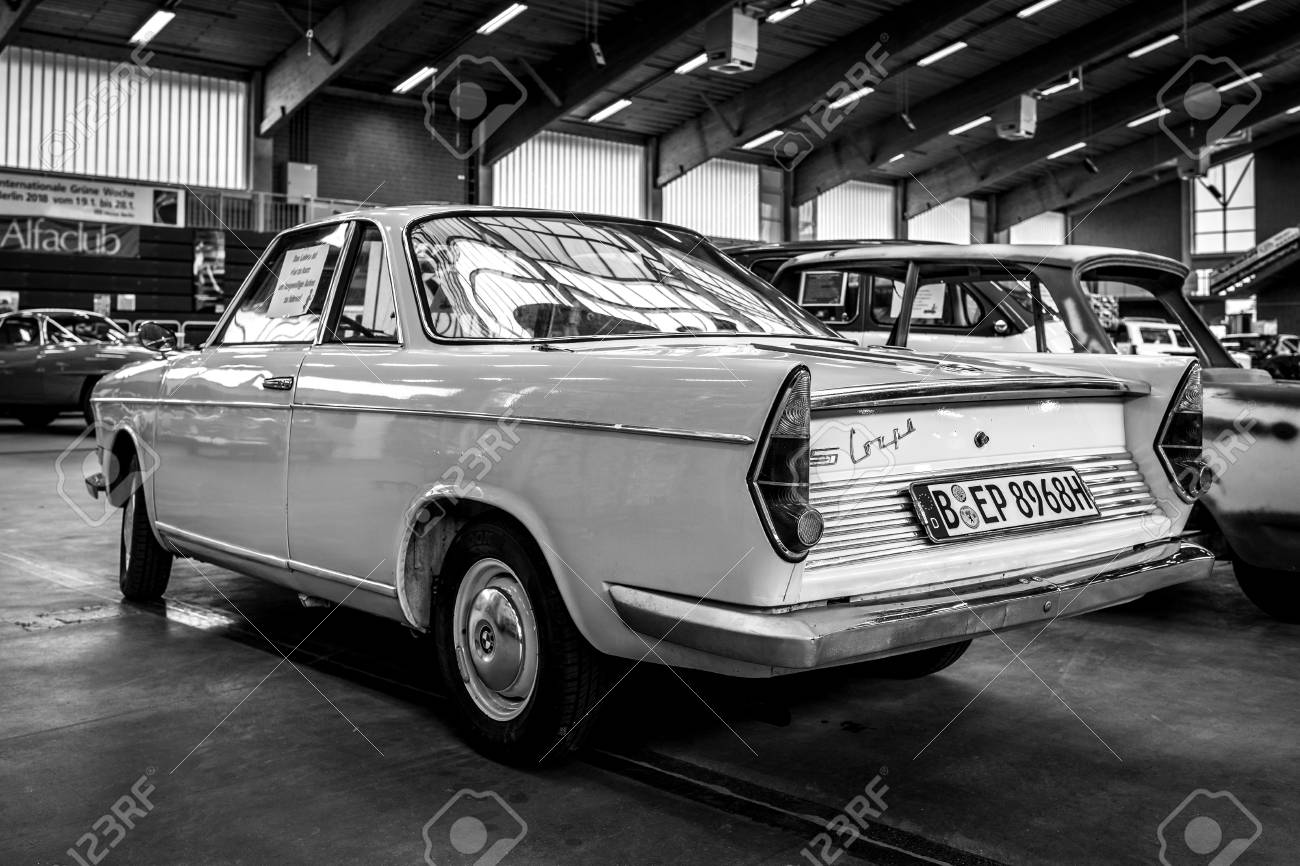 PAAREN IM GLIEN, GERMANY - MAY 19, 2018: Small rear-engined car BMW 700 LS Coupe, 1962. Rear view. Black and white. Die Oldtimer Show 2018. - 110052301