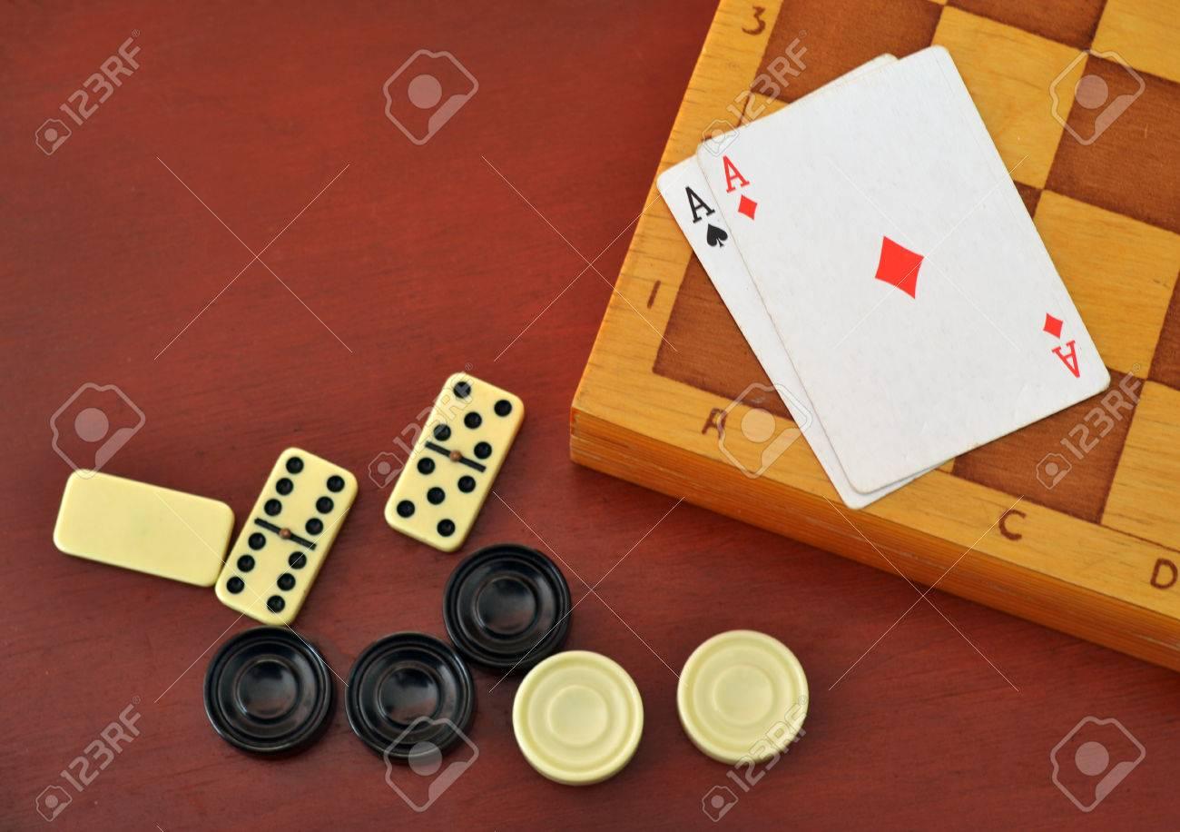 Varios Tableros De Ajedrez De Juegos De Mesa Cartas De Juego