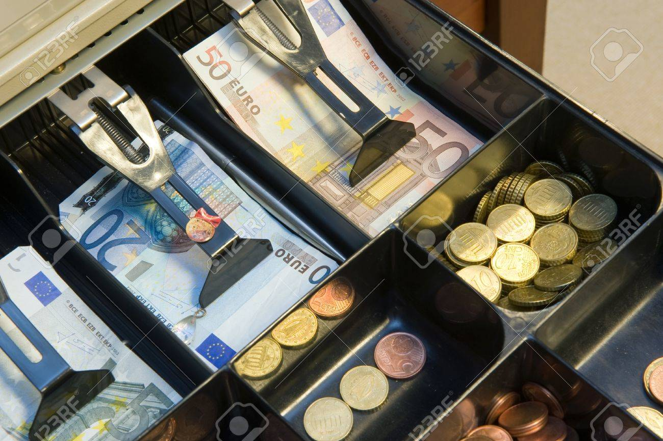 Cash money in drawer at a paydesk in a store Stock Photo - 20006907