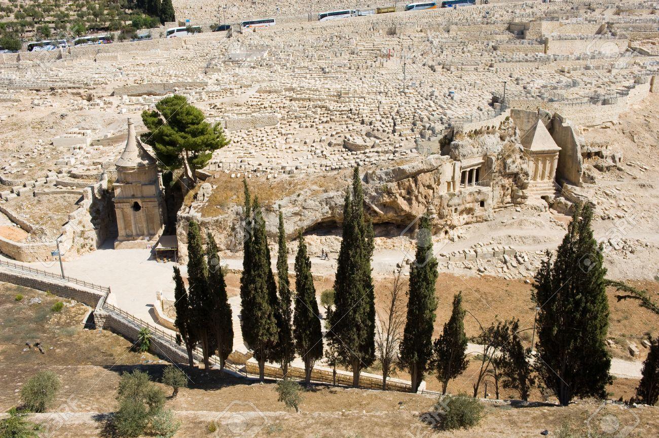 Resultado de imagen de tumba de absalón. Valle cedrón