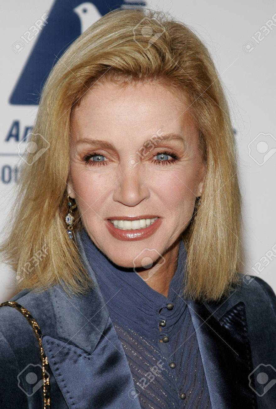 BEVERLY HILLS, CA - NOVEMBER 20, 2006: Donna Mills At The 2006 ...