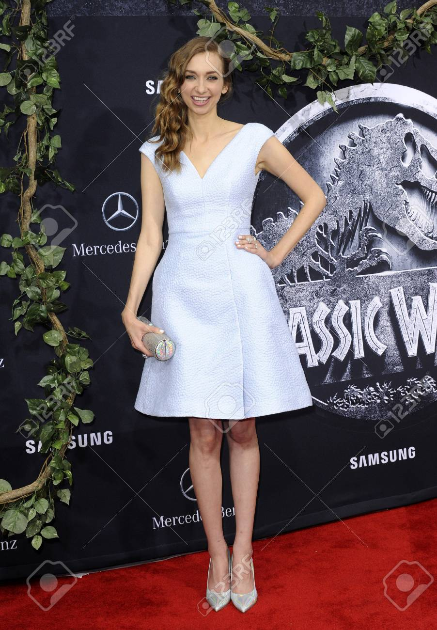 Sarah Marshall (British actress)