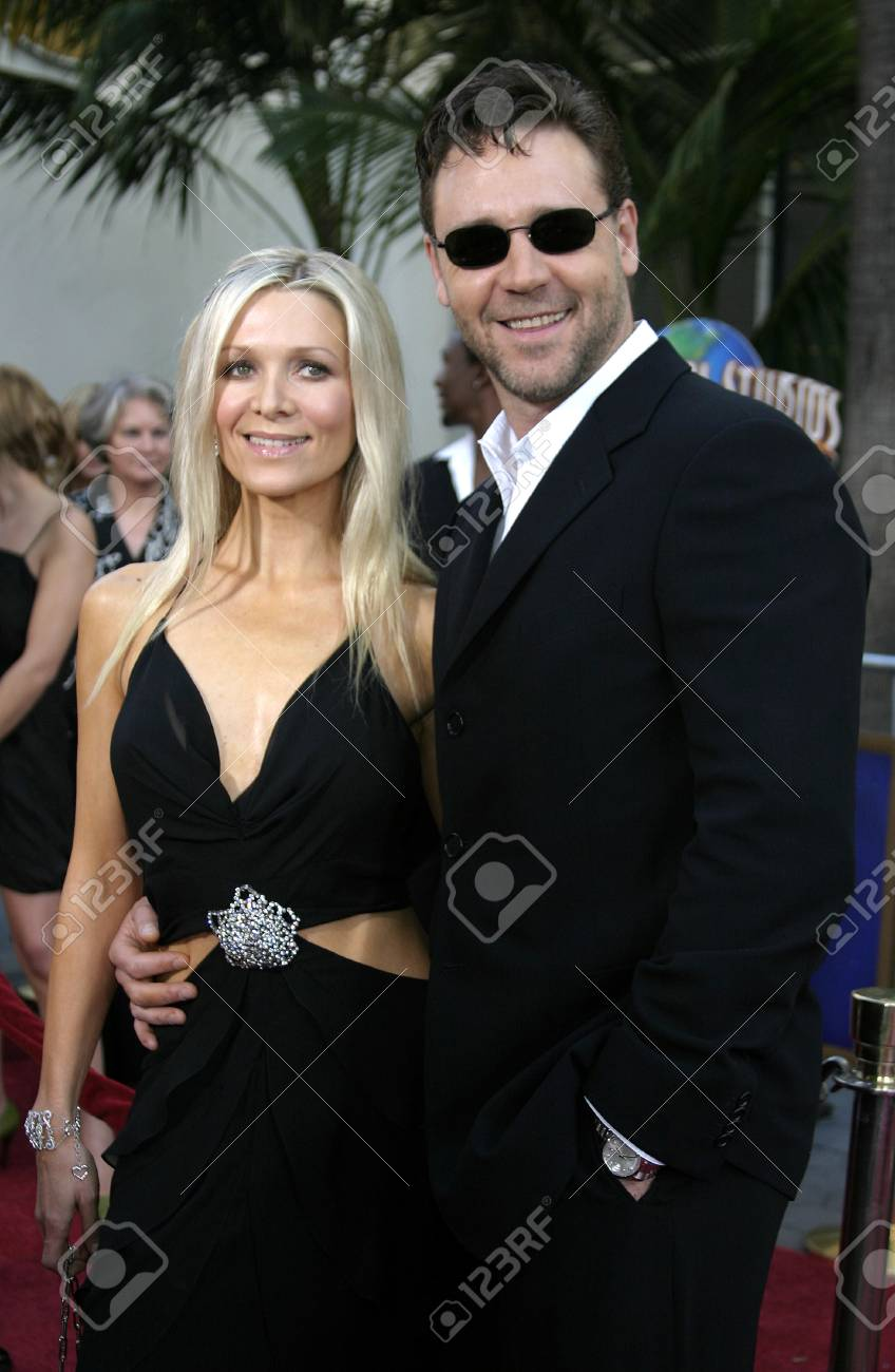 Russell Crowe and Danielle Spencer at the Los Angeles premiere