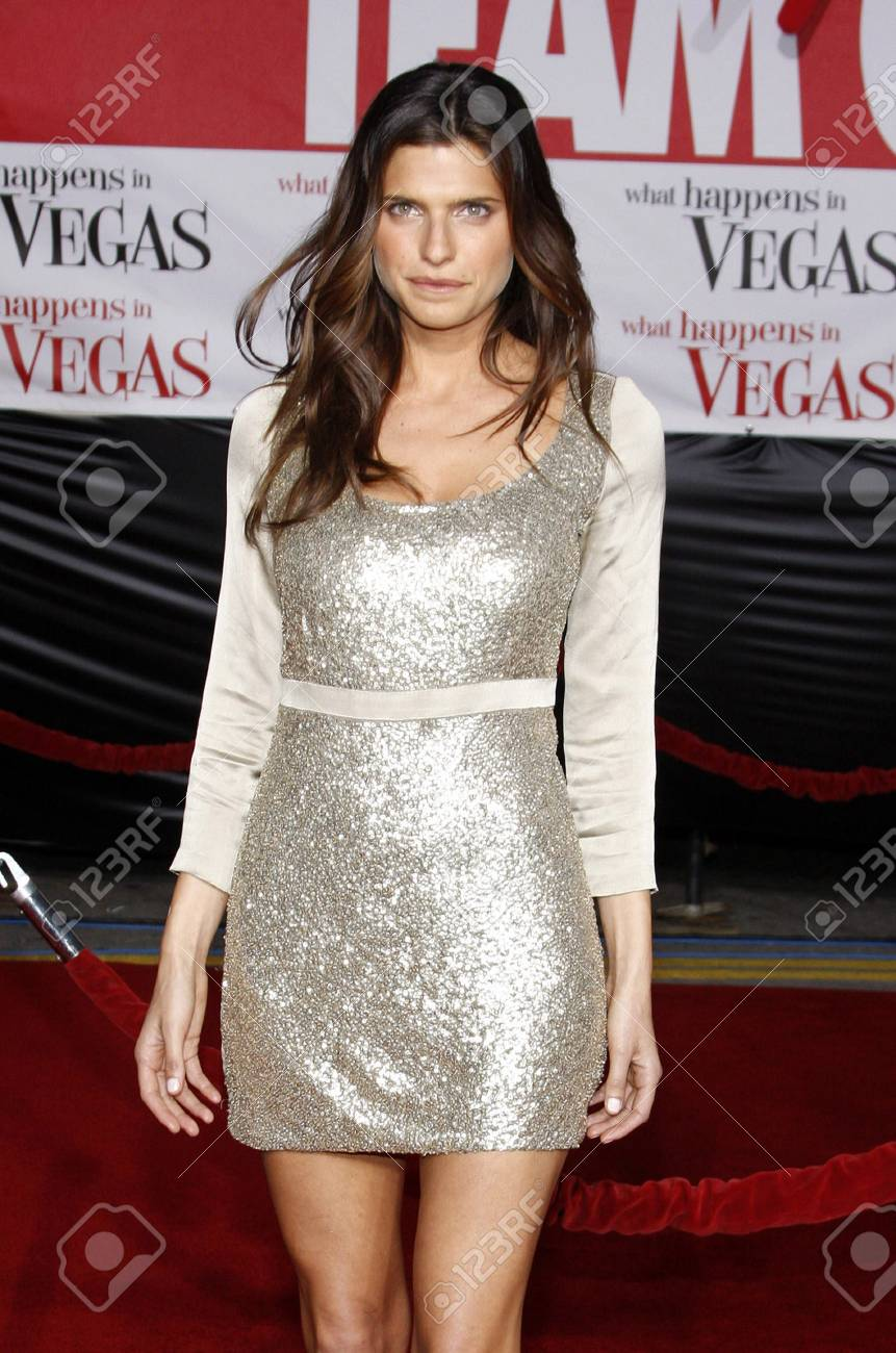 Lake Bell At The World Premiere Of What Happens In Vegas Held Stock Photo Picture And Royalty Free Image Image 71790860