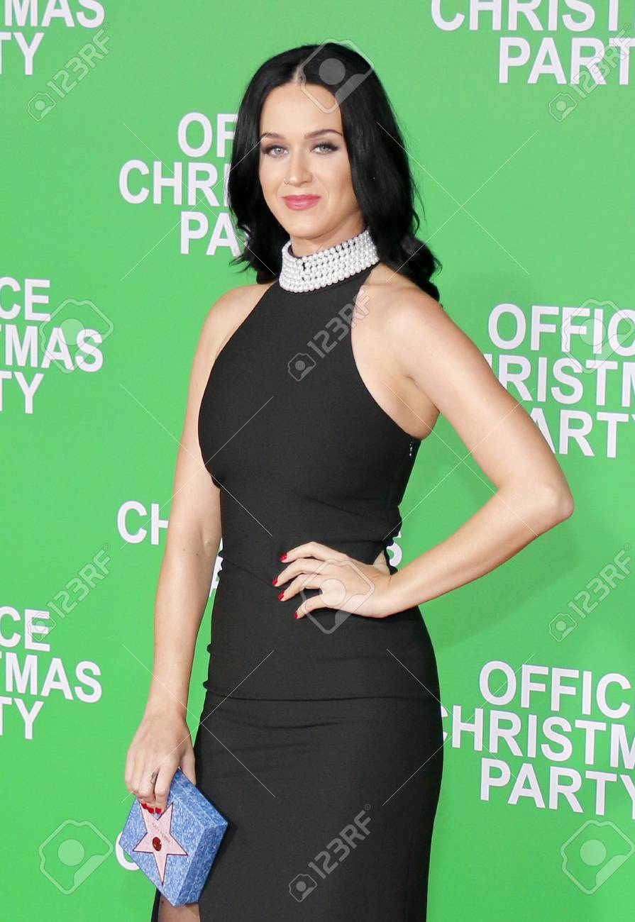 Katy Perry At The Los Angeles Premiere Of \'Office Christmas Party ...