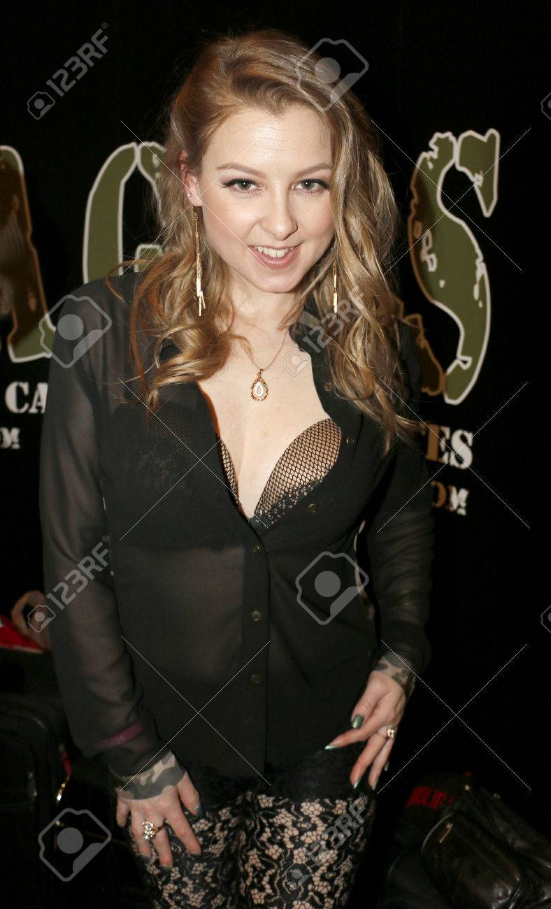 Sunny Lane At The 2017 Avn Adult Entertainment Expo Held At The