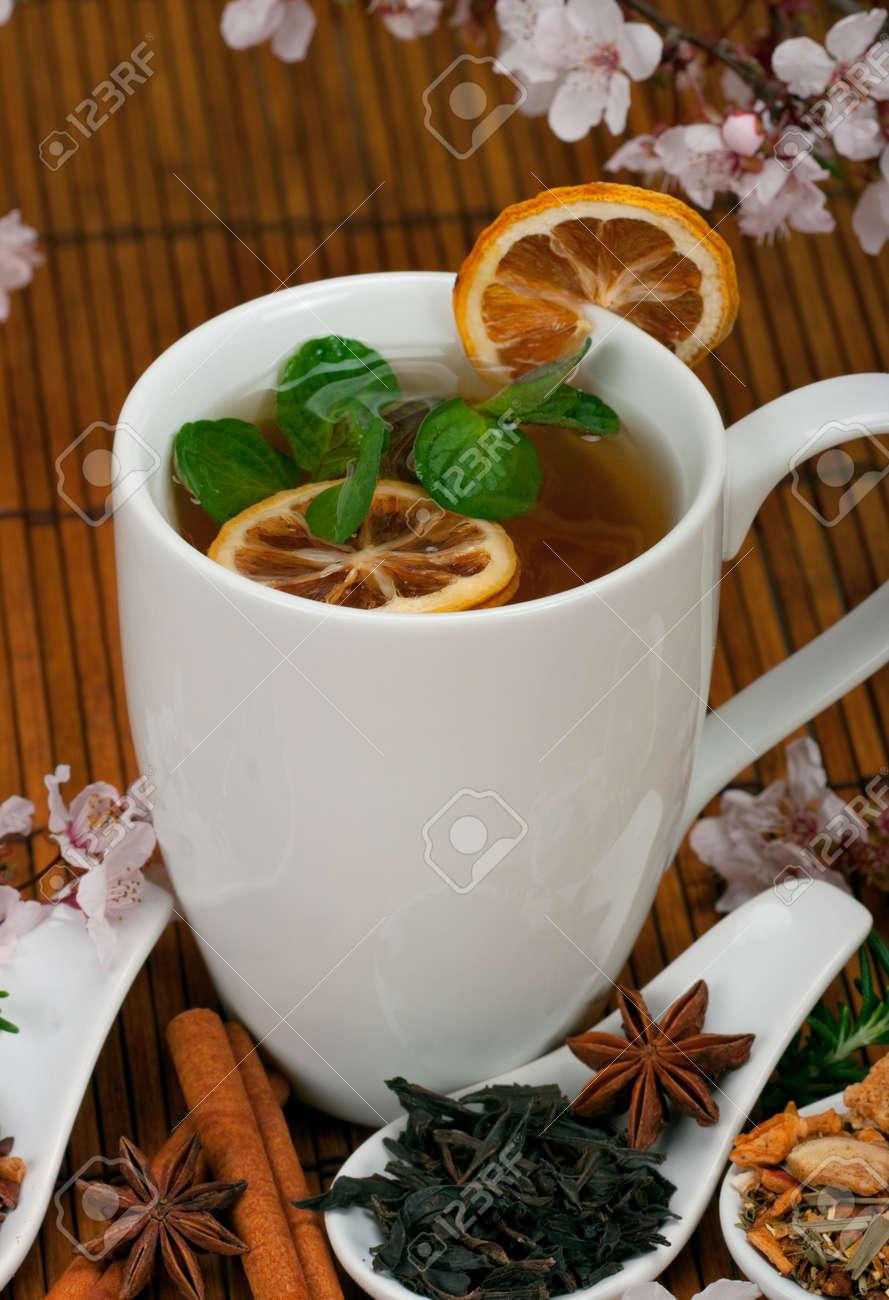 Gesunde Tee Mit Gewurzen Krautern Lizenzfreie Fotos Bilder Und