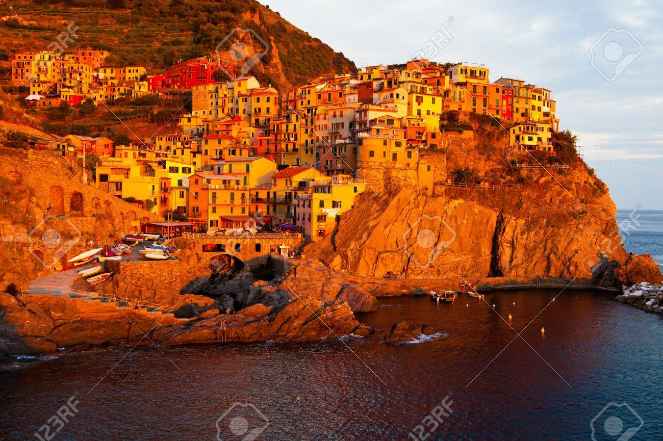 Sunset in Manarolla Stock Photo - 15741935