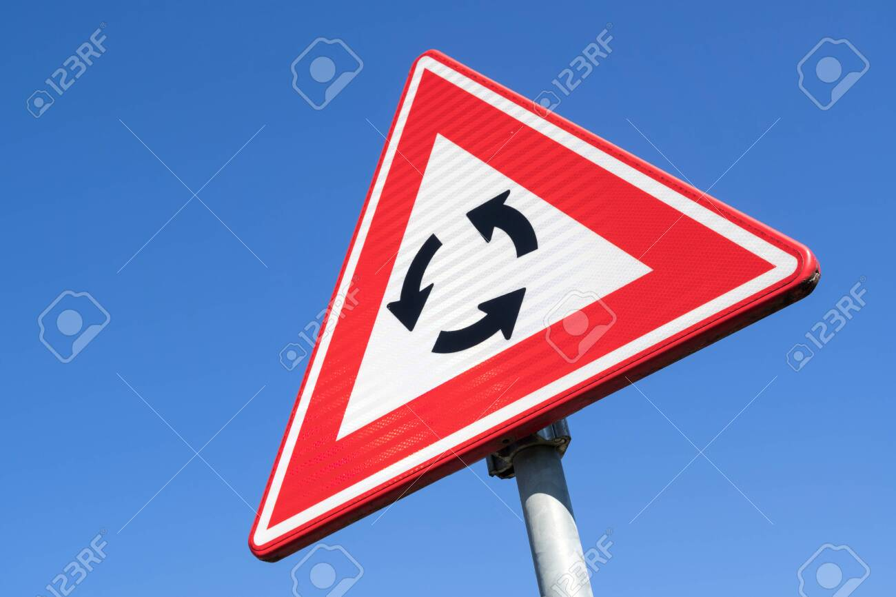 Dutch road sign: roundabout ahead - 131648548
