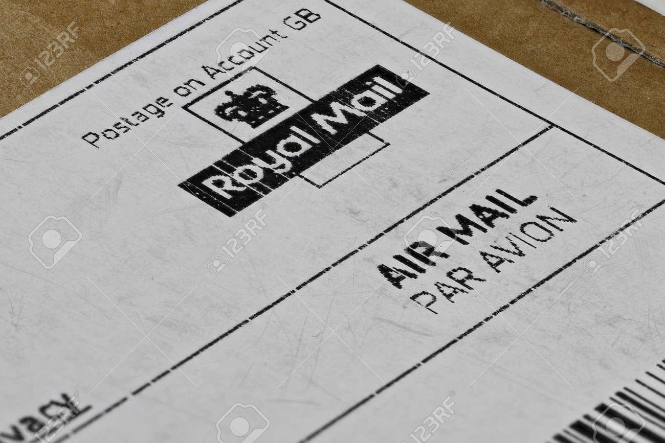 printed British Royal Mail logo on parcel label - 171016228
