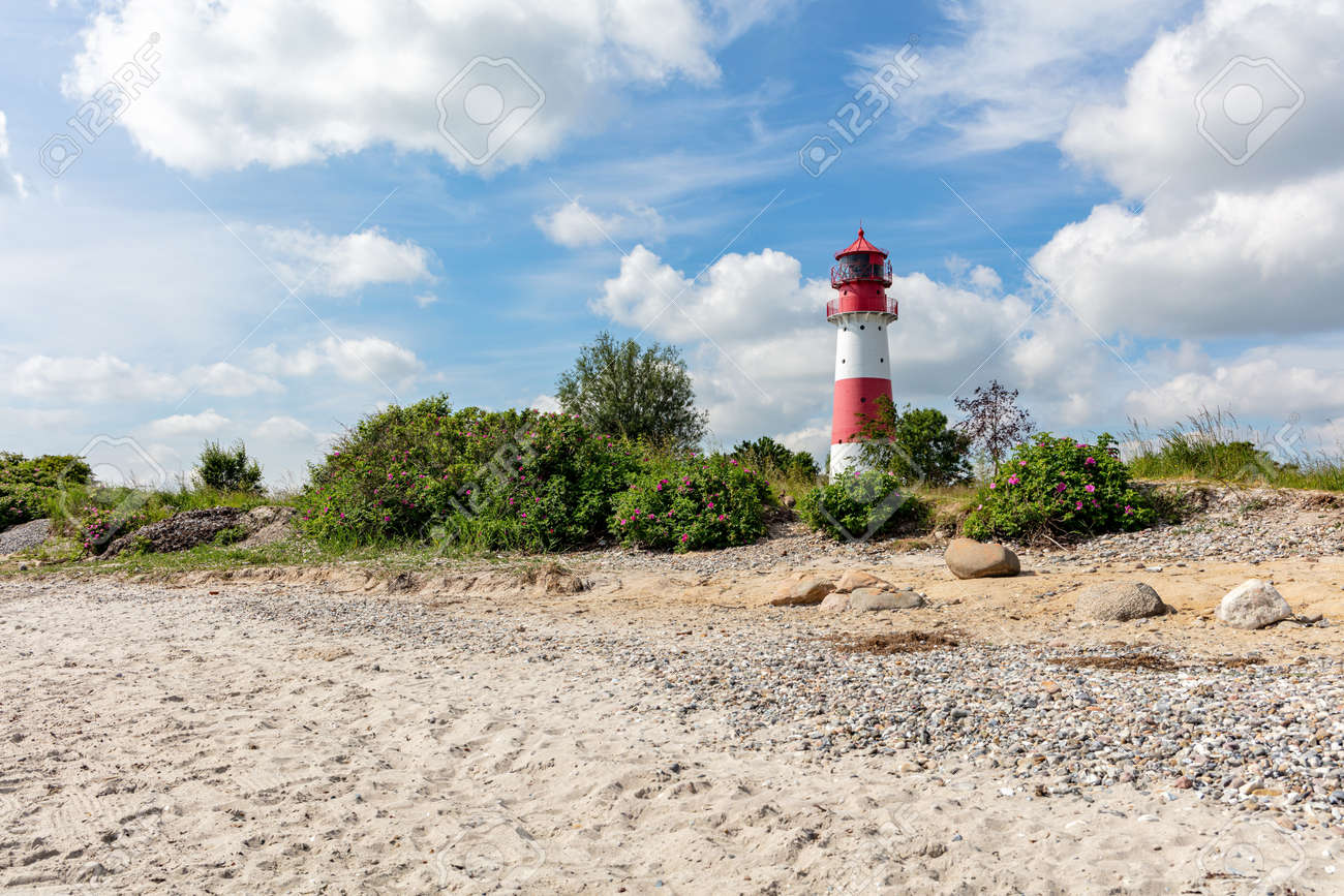 Falshoeft lighthouse at the Baltic Sea coast in Schleswig-Holstein, Germany - 171261364