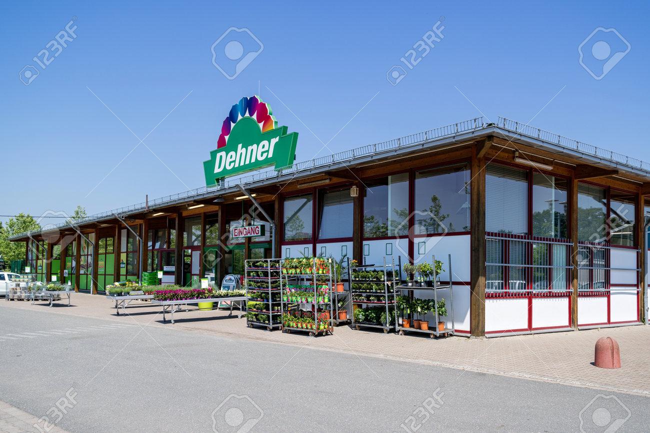 Dehner garden center in Kiel, Germany. - 171544370