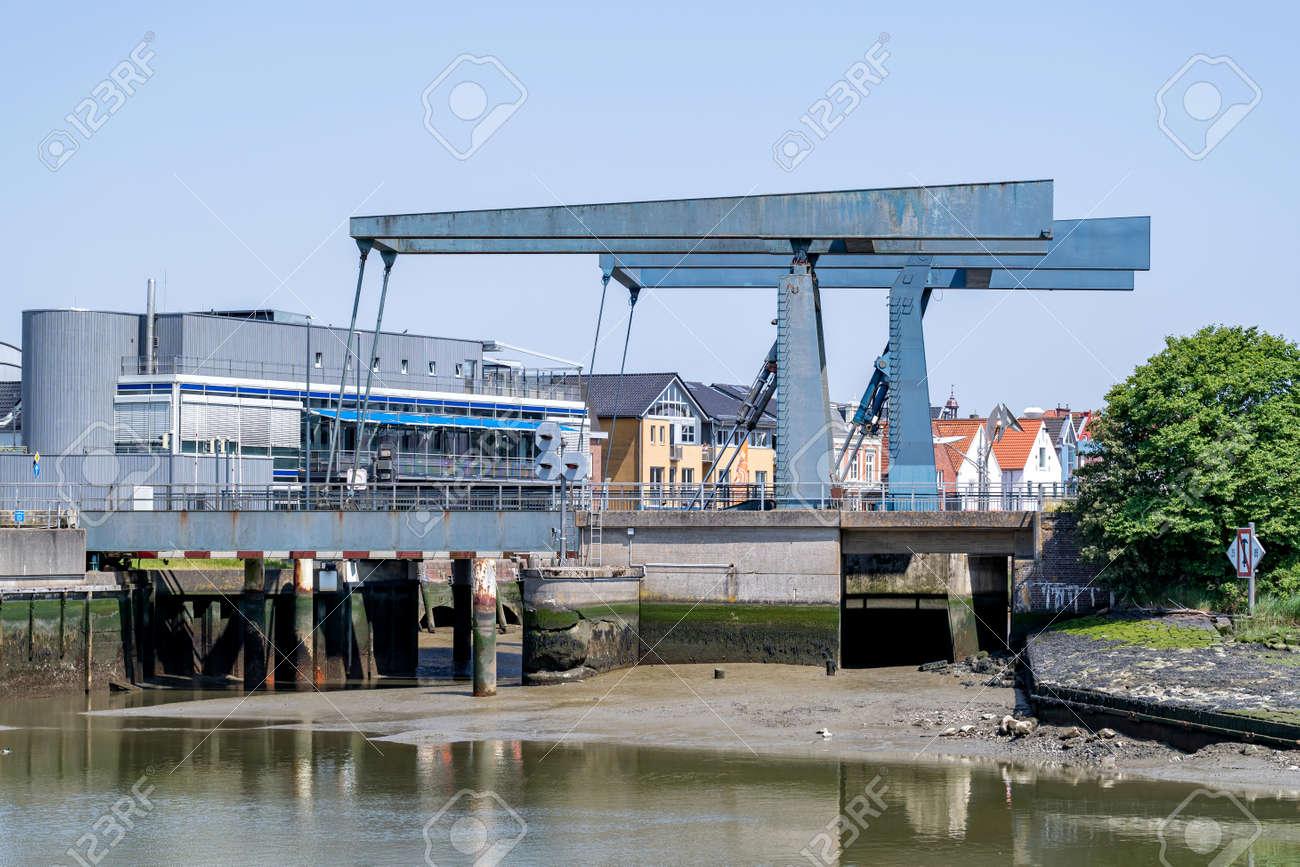 bascule bridge in Husum, Germany at low tide - 171531140