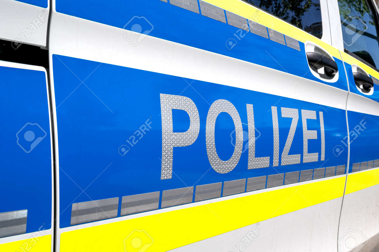 lettering at patrol car of German Police - 171717077