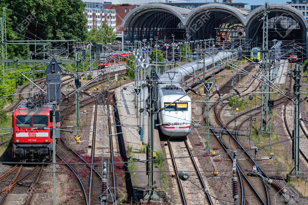 main station in Kiel, Germany - 171646070