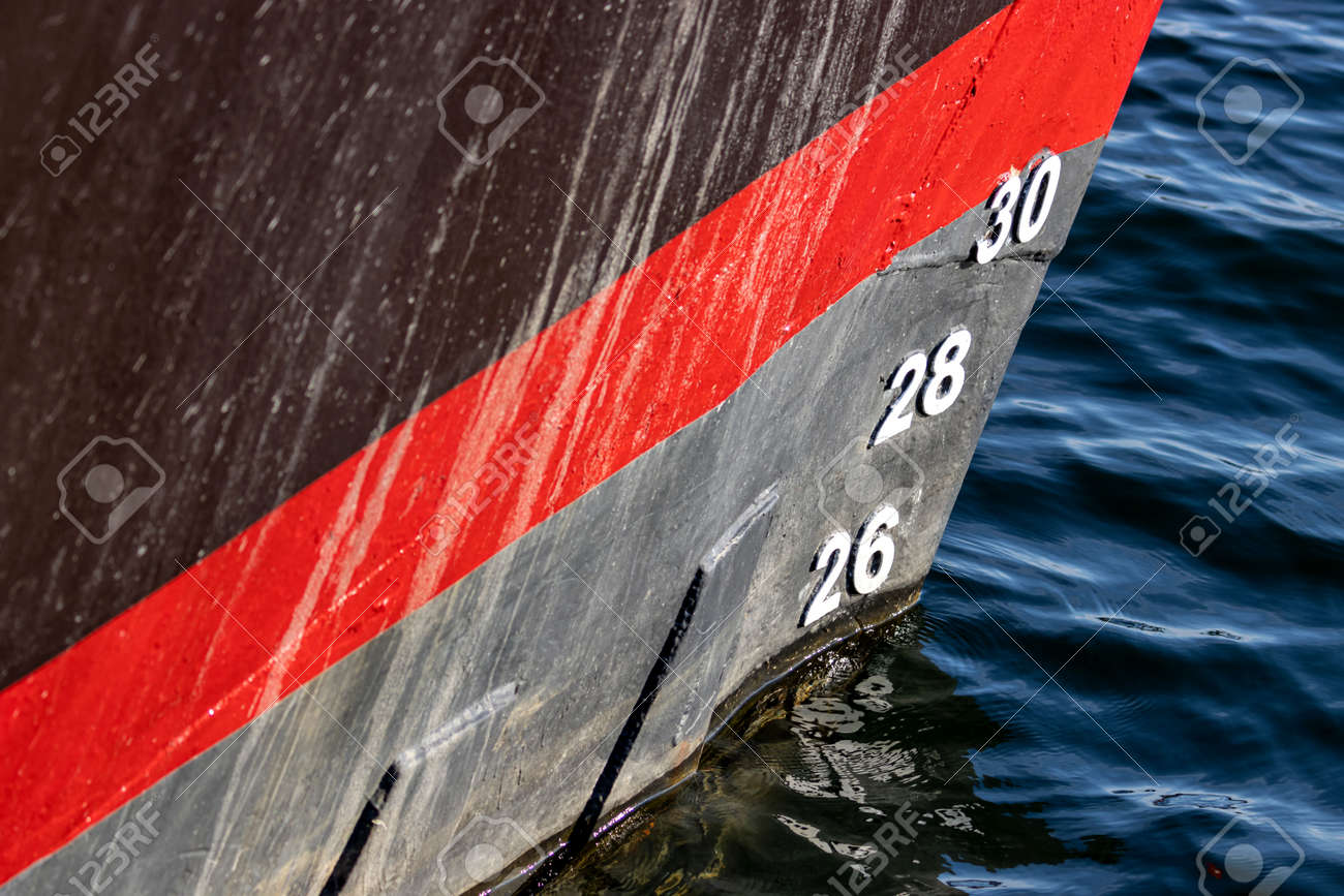 metric draft marks on the bow of a ship - 172226919