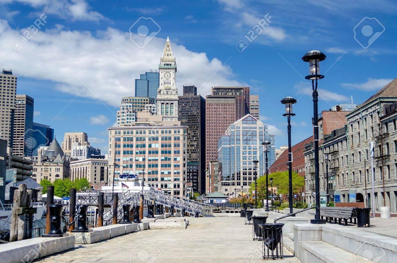 Boston Harbor et Skyline, USA Banque d'images - 20827334
