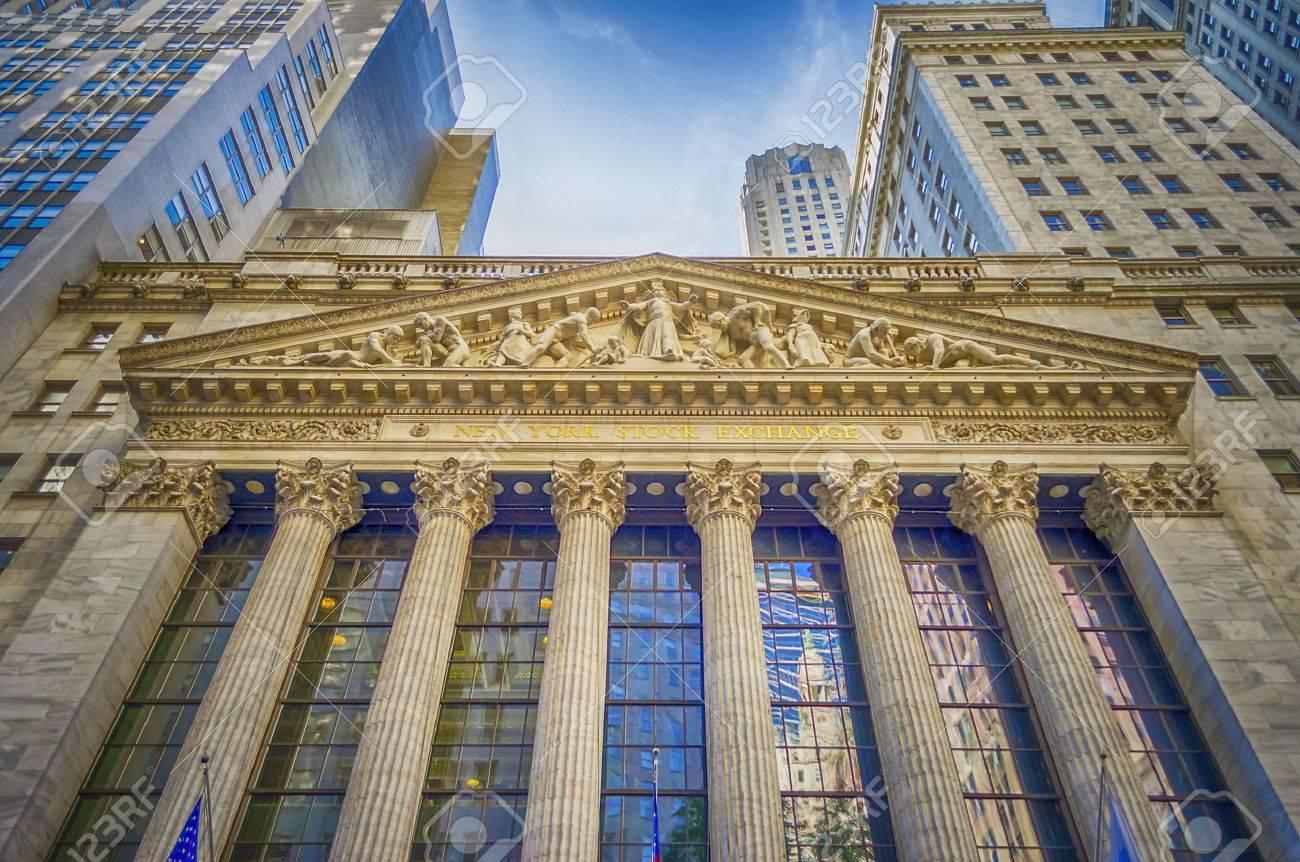 Wall Street, New York City - 21581332