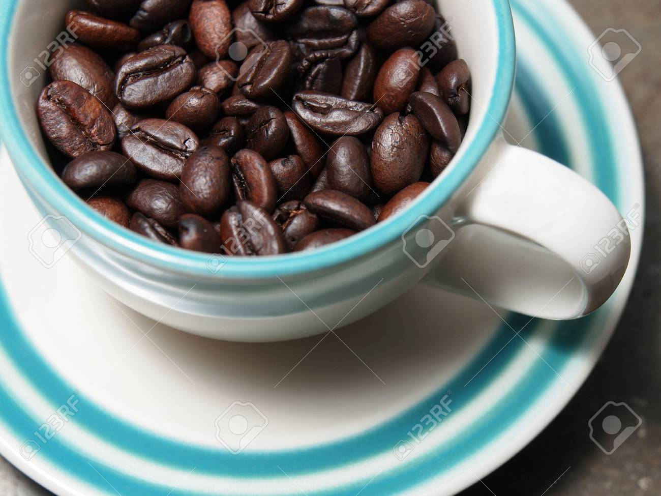 A cup of coffee beans Stock Photo - 19968110