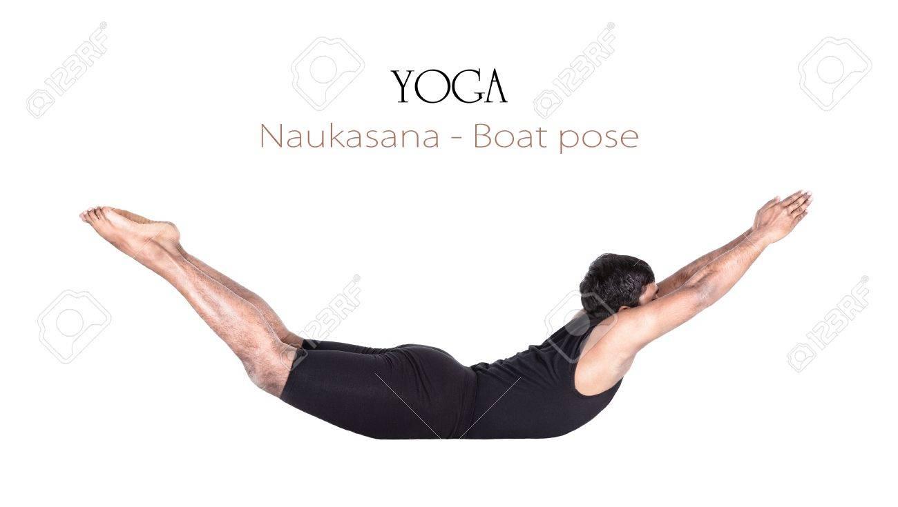 Yoga Barco Naukasana Plantean Por El Hombre Indio En Paño Negro ...