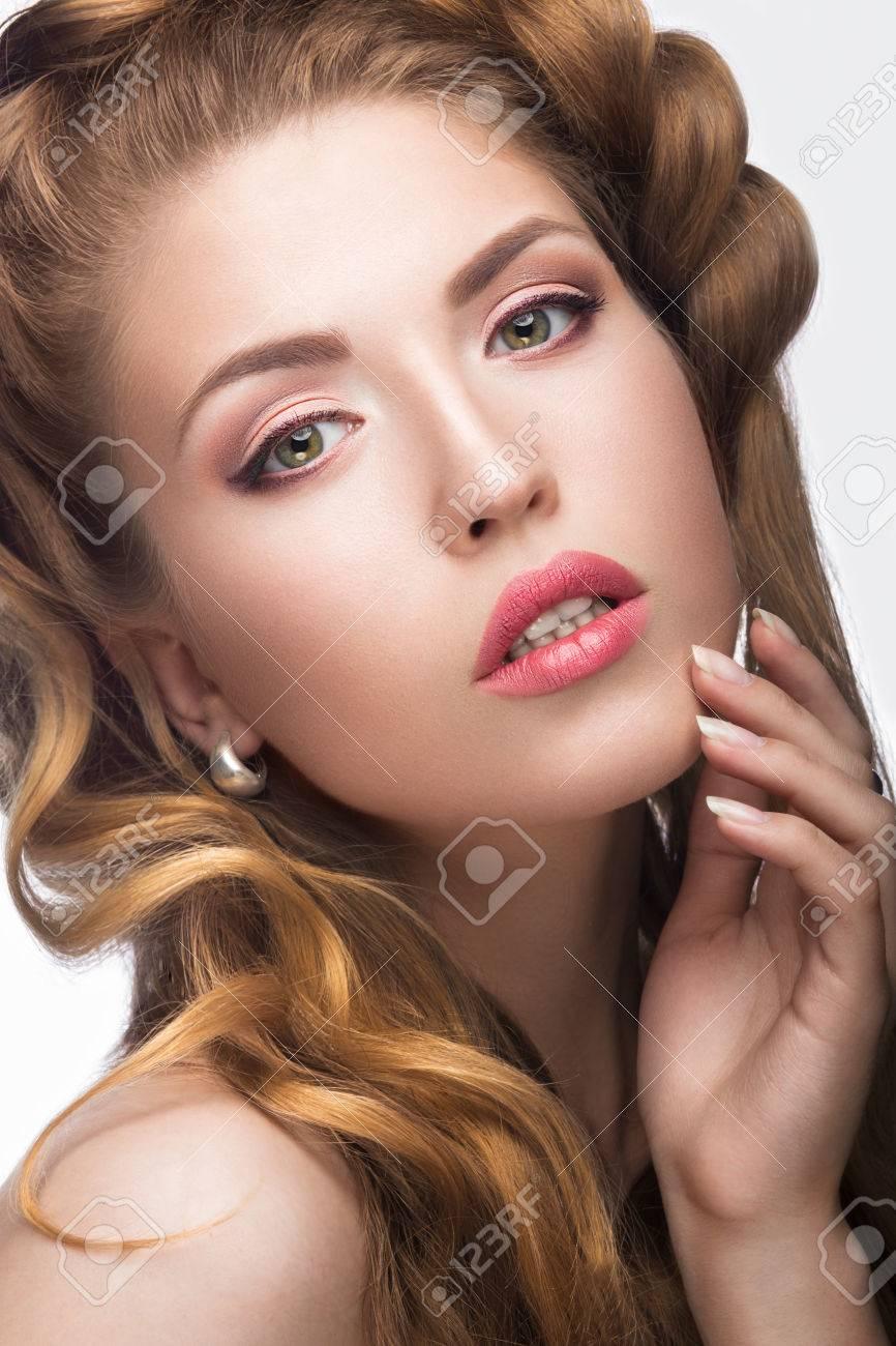 nacade filles blond sexe trentenaire
