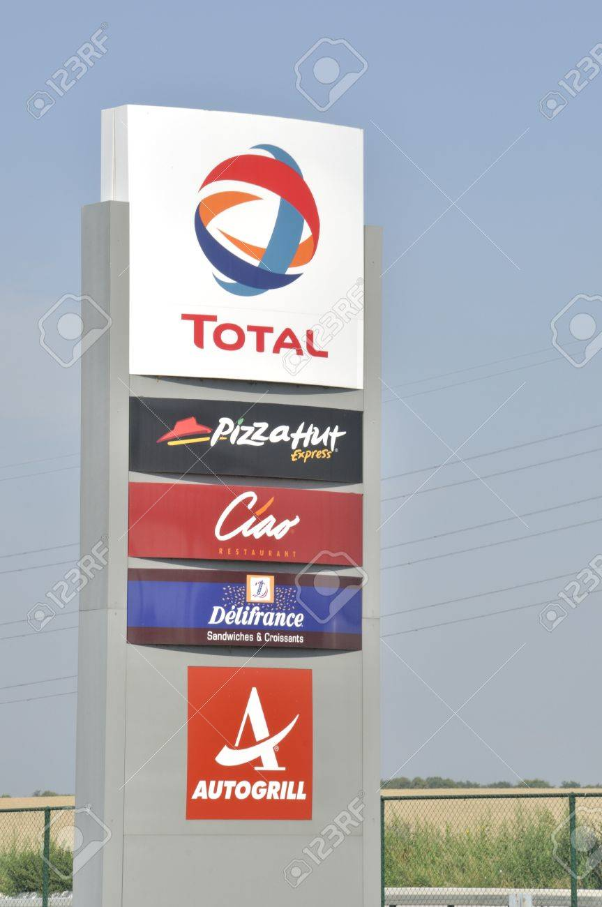 Total Gas Station With Restaurant Pizza Hut Ciao Delifrance
