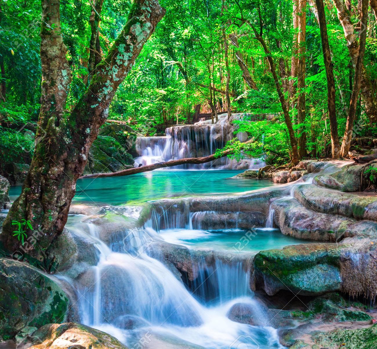 tropischer regenwald wasserfall
