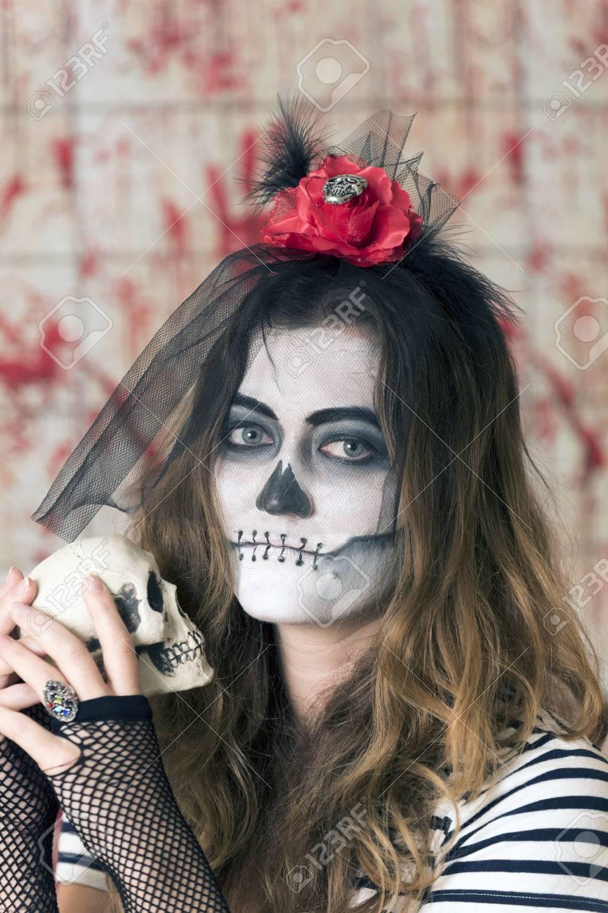 Verzauberkunst Gesicht Bemalen Foto Von Mädchen Mit Bemalten Und Halloween Zu Feiern