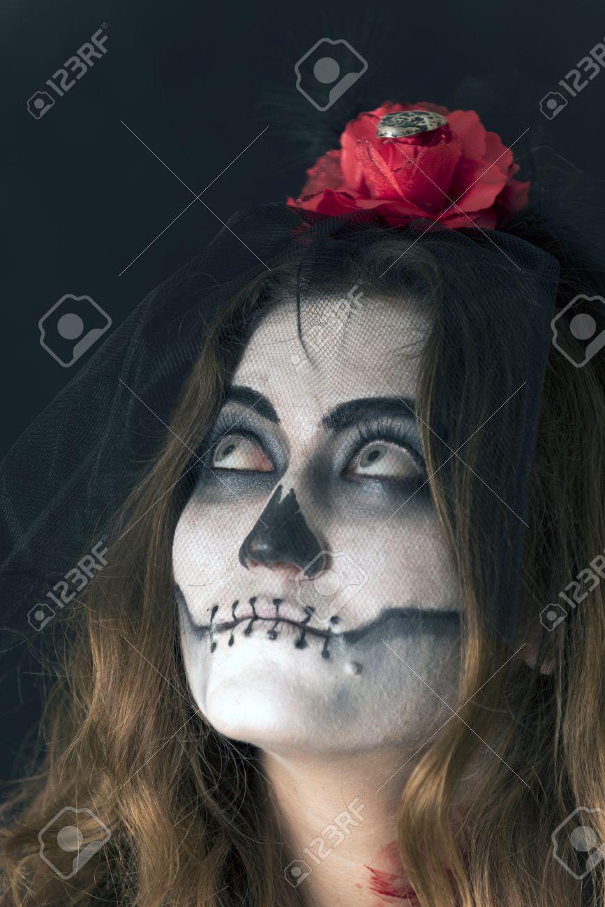 Nina Con La Cara Pintada Y Se Caracterizo Para Celebrar Halloween - Cara-pintada-para-halloween