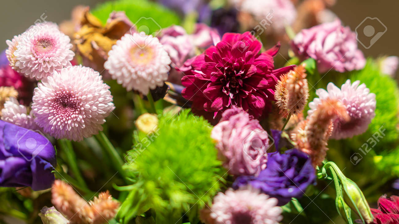 Flowers bouquet arrange for decoration in home or celebration. Depth of field and out of focus is done intentionally and originally - 170089911