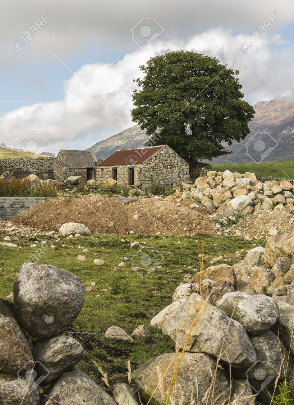 an od ruin at the foot of sleive Binnian in the mourne mountains north irelad Stock Photo - 22088668