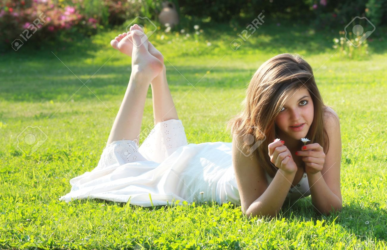 Young teen feet cam gallery pics 785