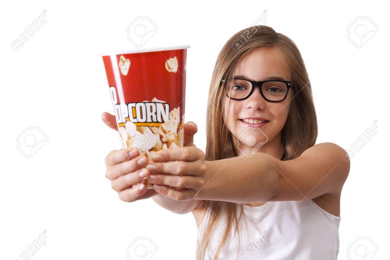 Фото девушек с попкорном